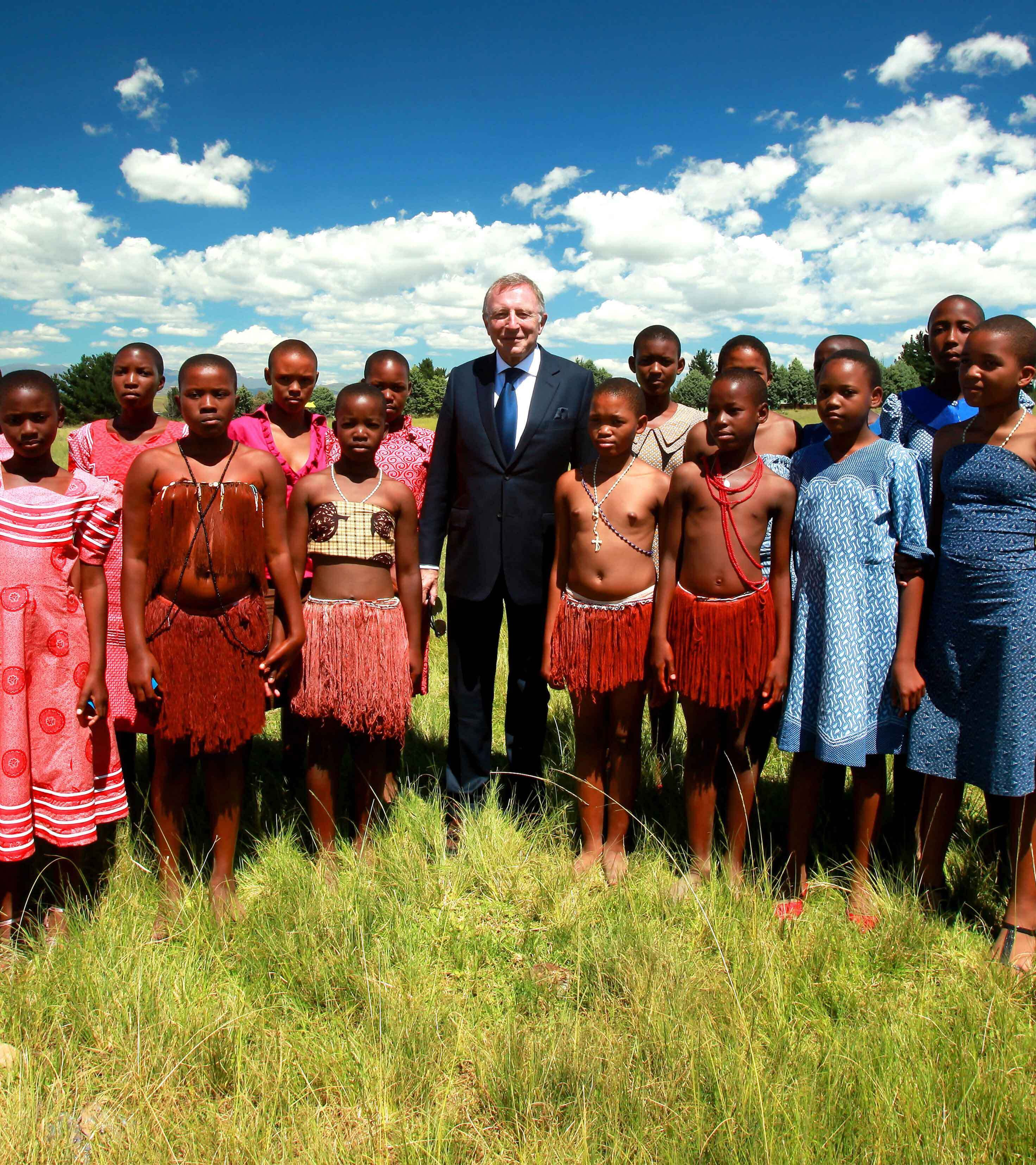 Laurence Graff and children in South Africa