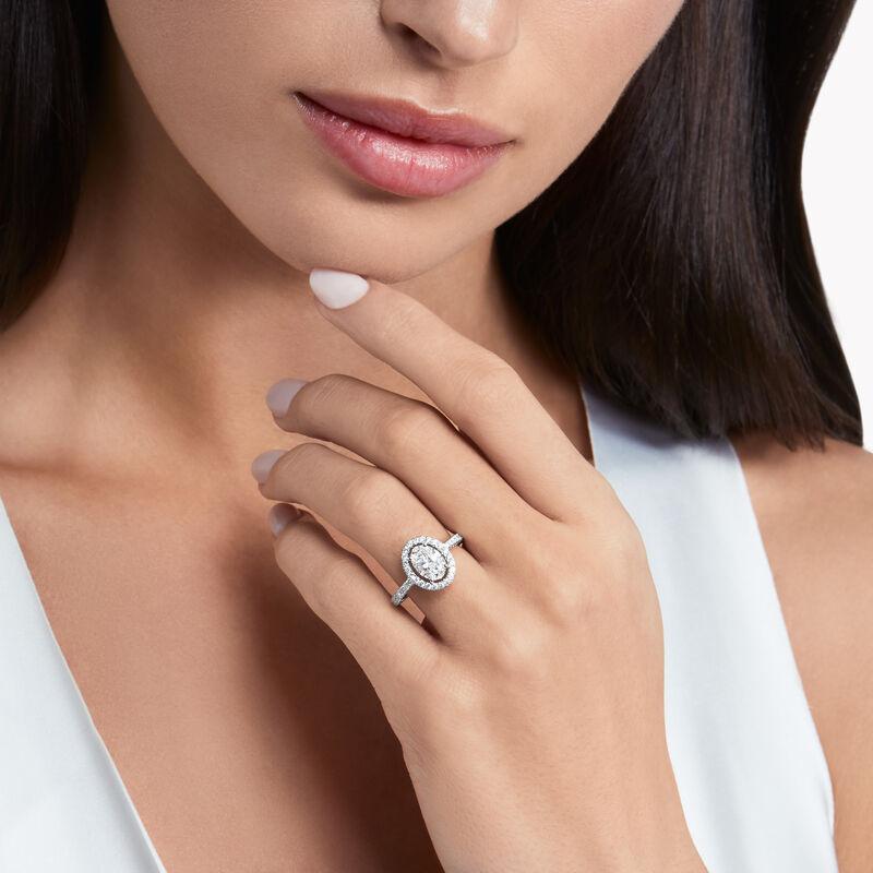 Constellation椭圆形钻石订婚戒指, , hi-res