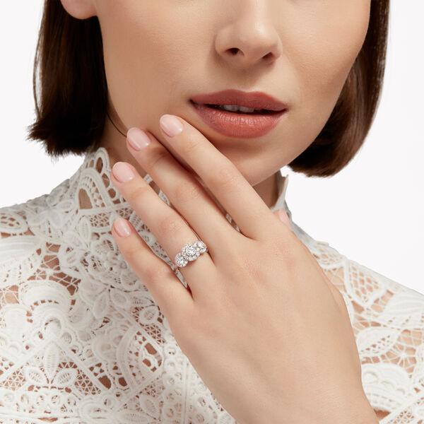 Icon三颗圆形钻石戒指, , hi-res