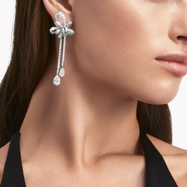 Tilda's Bow钻石双行耳环, , hi-res