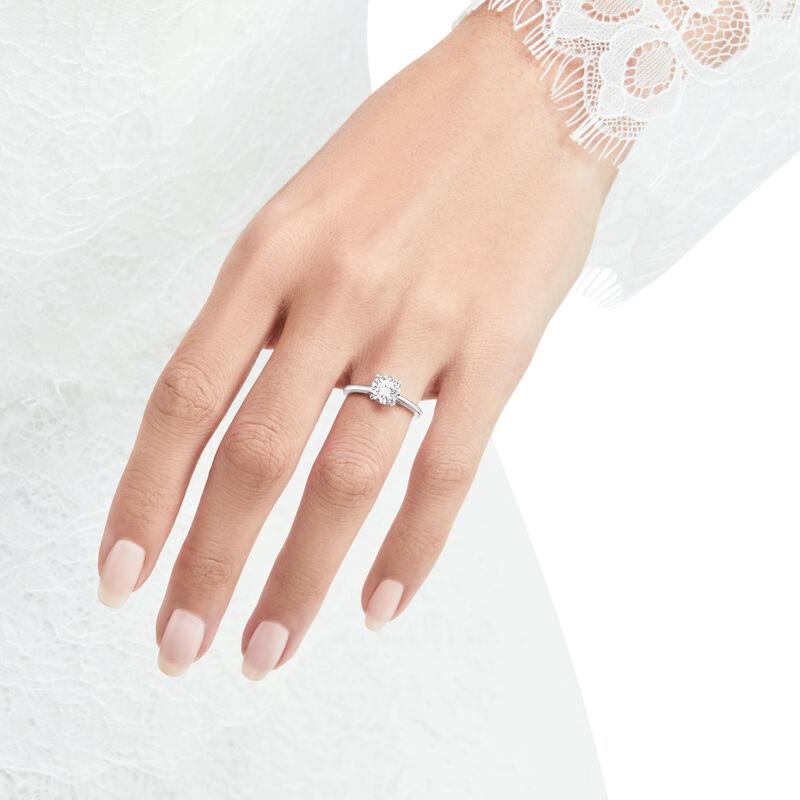 Paragon圆形钻石订婚戒指, , hi-res