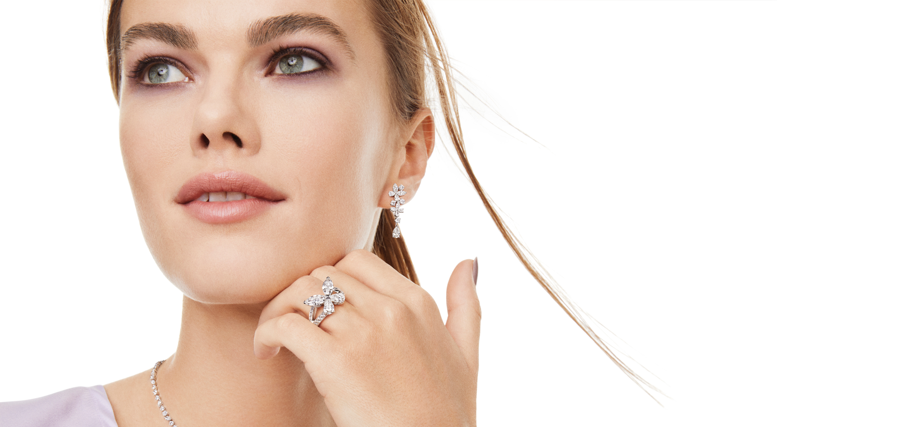 Model wearing Classic butterfly ring